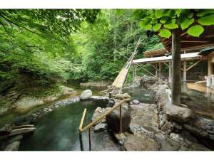 【広瀬川源流露天風呂】川のせせらぎを聴きながら、温泉につかり癒される極上のひととき。