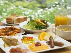 品数豊富な朝食バイキングをご提供。