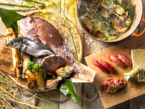 【夕食バイキング一例】季節毎に旬の魚介を厳選。バイキングで存分にお楽しみ下さい。