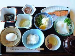 ◆イカ刺し、焼き魚などの和定食