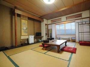 ◆和室10畳(バストイレ付)お部屋からは雄大な海をご覧いただけます