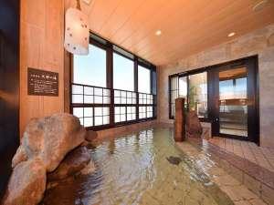 【天然温泉 天都の湯】大浴場は15時から翌朝10時まで夜通しご利用頂けます。
