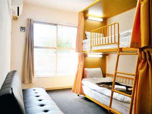 2段ベッドの洋室です。
