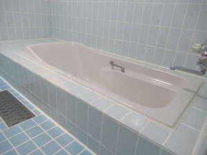 【広々とした浴槽】全室バス・トイレ別