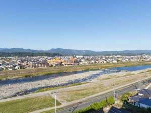 【部屋からの眺め】水郷日田ならではの、のどかな風景が広がります。