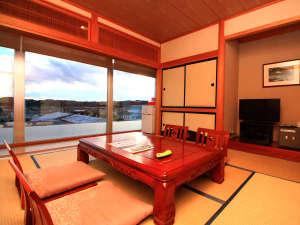 ■【和室】大きな窓からは新舞子の景色をお楽しみいただけます