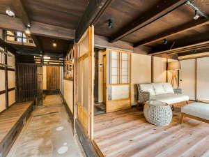 【樫601】2018年10月OPEN!一棟貸切感を楽しめるメゾネットタイプの客室