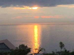 播磨灘に沈む夕陽