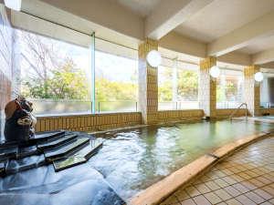 *【大浴場】掛け流し温泉でゆったりとしたひとときを。