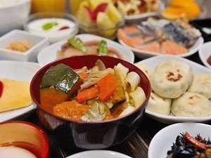 ◆朝食:山梨名物具沢山のほうとう