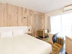 【South/スーペリアダブル】18平米/160㎝幅ベッド1台/バルコニー付/カラーはお部屋によって異なります