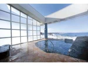 オホーツク海を一望できる開放的な露天風呂!!
