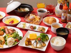朝食は和洋バイキング形式でご用意しております。