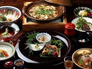 【夕食一例:一式】地元のお野菜をふんだんに使用した創作和会席、全10品。