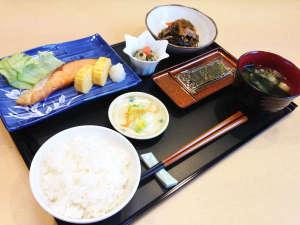 *【朝食例】一つ一つ丁寧に調理した料理をぜひごゆっくりとご堪能下さいませ。