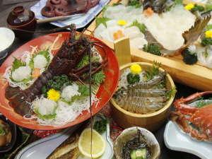 【定番料理の新鮮海の幸をたっぷりとお楽しみください♪】