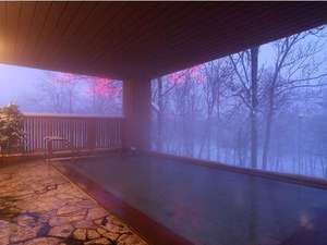 『雪見』も素敵な冬の露天風呂