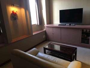 全室ローテーブル&ソファー設置しております。