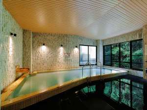 ヒノキ内風呂
