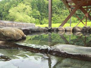 温泉センターの露天風呂◆宿泊者様は無料でご利用出来ます♪ご利用時間6:00~18:00
