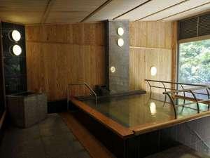 宿泊者専用風呂(朝7時~9時の清掃時間以外はいつでも入れます。)