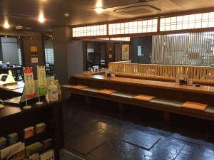 お食事処「辛華SHINKA」にてお食事をお楽しみください。