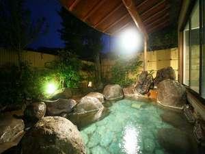 天然温泉100%かけ流しの大浴場「月光の湯」月明かりの下で温泉を満喫♪