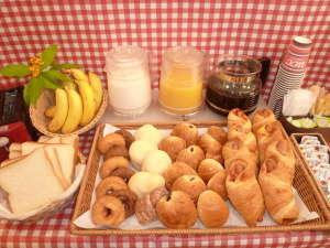 ★無料★朝の焼きたて調理パン&コーヒー&ジュース♪お部屋でどうぞ