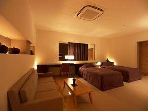 ラグジュアリーツインルーム(55平米)。当宿で一番広いお部屋です。