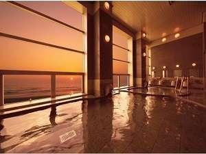 太平洋から昇る日の出は感動的