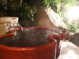 【和楽亭/和】2013年に新築したお部屋には人気の露天風呂を備えています。