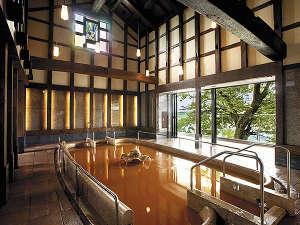 【蔵の湯】明治時代の蔵を再生した、趣きある大浴場