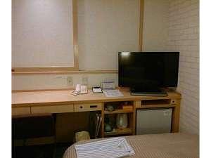 冷蔵庫・ミニポット・32型テレビ(地デジ・BSは一部視聴可能)・Wi-Fi完備