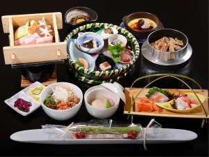 彩り豊かな和洋会席膳(宿泊夕食)