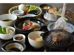 四季折々の食材を使用した夕食膳