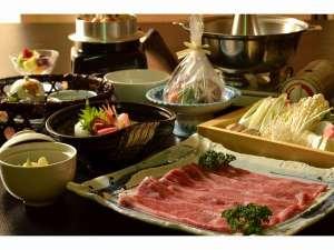 神内和牛あかを使用したしゃぶしゃぶ鍋と旬の彩り会席