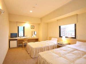 ◆ツインルーム(約19平米)◆ベッド幅120cmのシングルベッド2台のお部屋