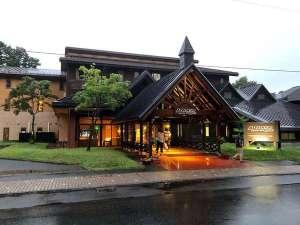 奥入瀬渓流から車で10分。乙女の像・ビジターセンター・十和田神社まで徒歩で5分!