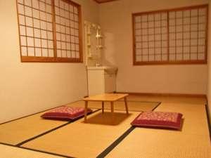 *和室一例。シンプルなで清潔なお部屋で、ゆっくりお寛ぎ下さい♪
