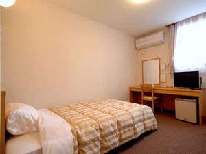 【1階】洋室セミダブルベッドシングルルーム【Wi-Fi/有線LAN/お部屋も温泉】