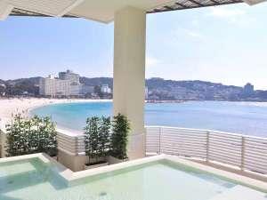 【潮風】白良浜に一番近く、空と海が間近に迫る開放的な露天風呂