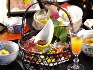 【秋の懐石】当館名物『手作りゆば』と『三ケ日三段肉』が大好評!秋のメインは金目鯛のしゃぶしゃぶです。