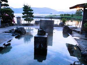 ★殿方露天風呂「楽園の湯」天然温泉掛け流し!開放感&風情は最高です。