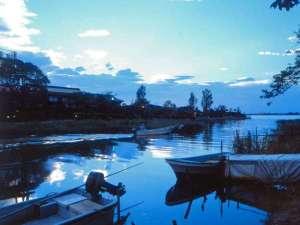 外観:東郷湖から撮影