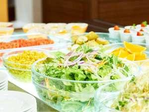 鮮度が違う。岡山県産にこだわった、産地から毎日届く新鮮野菜。営業時間6時30分~10時/最終入店9時50分