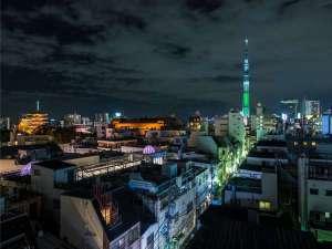 ファミリールームやホステルのすぐそばから東京スカイツリーがきれいに眺められる好立地♪♪