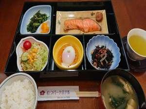 和食のご朝食の一例です。お膳でのご用意となっております。