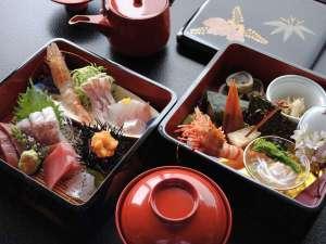 ☆重箱会席☆輪島塗の重箱で当館自慢のお料理をお楽しみください