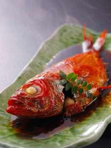 『翠海』自慢の金目鯛  煮付け