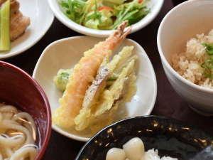 ◆ご当地メニューをふんだんに取り入れた人気朝食♪
